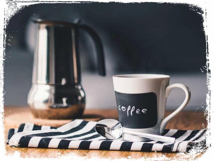 sonhar com garrafa de cafe