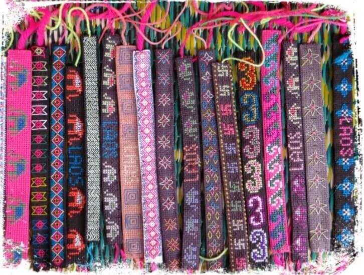 Sonhar com pulseiras coloridas