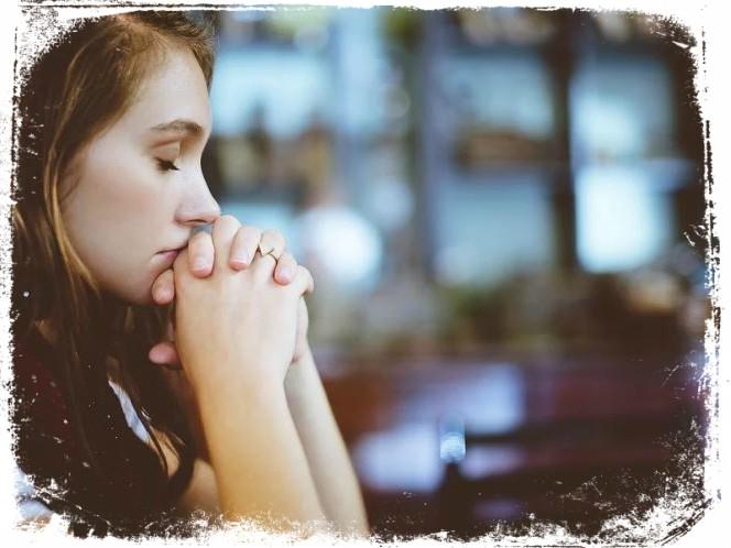 sonho orando em sussurros