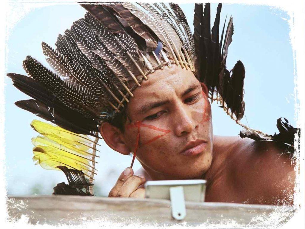 Sonhar com índio pintado