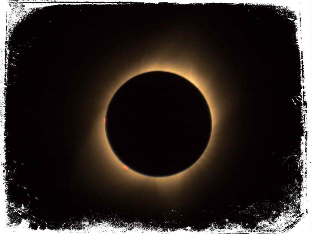estava olhando eclipse com muitas pessoa no sonho o que significa