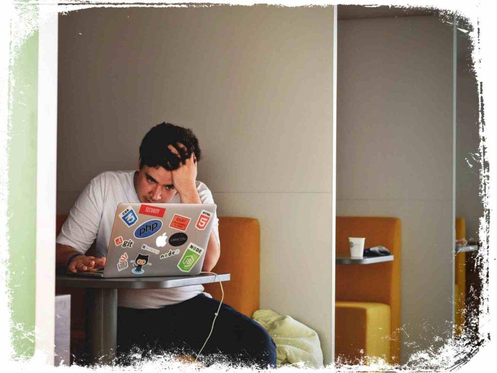o que significa sonhar cansado do emprego