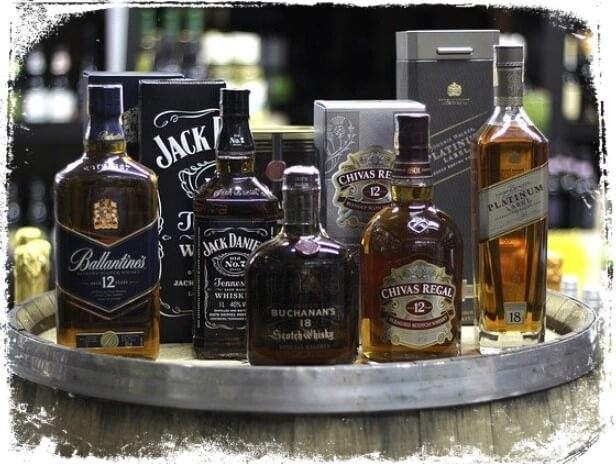 sonhos e significados com whisky