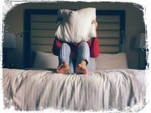 qual significado em brincar de guerra de travesseiro