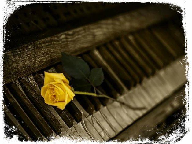 ver piano antigo em sonho