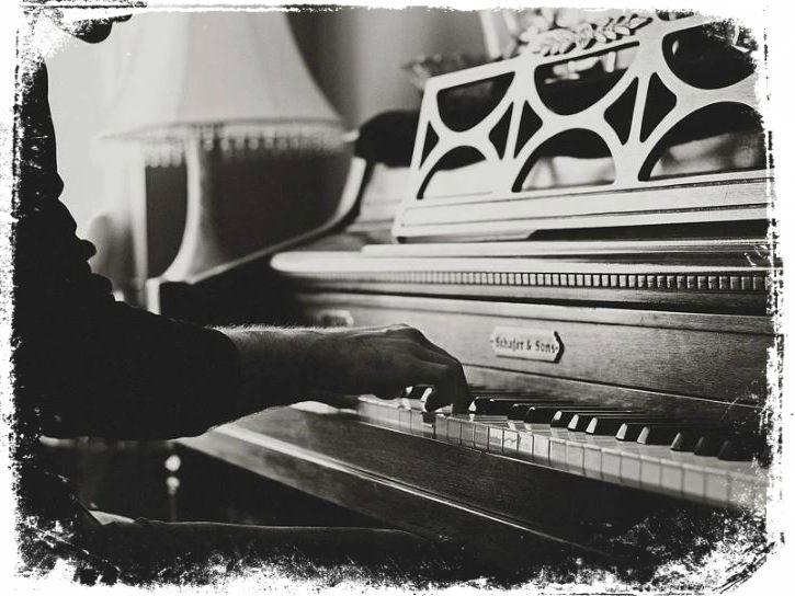 sonhei tocando piano teclado o que quer dizer