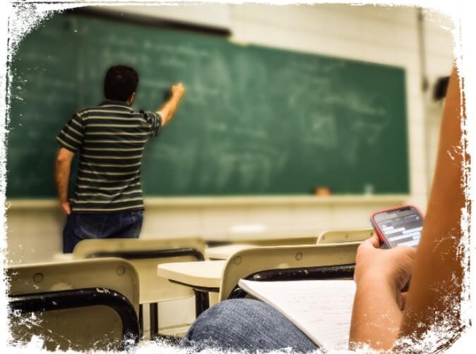 Sonhar com sala de aula e professor