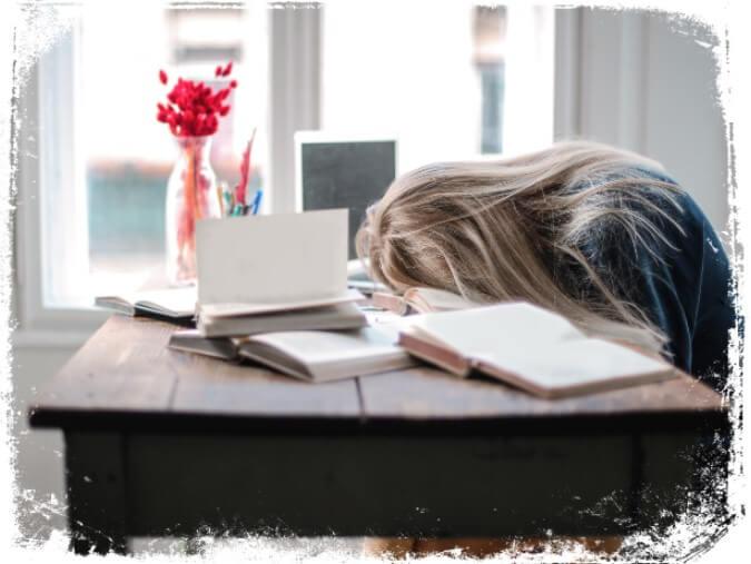 sonhar com pessoa estudando qual e seu significado