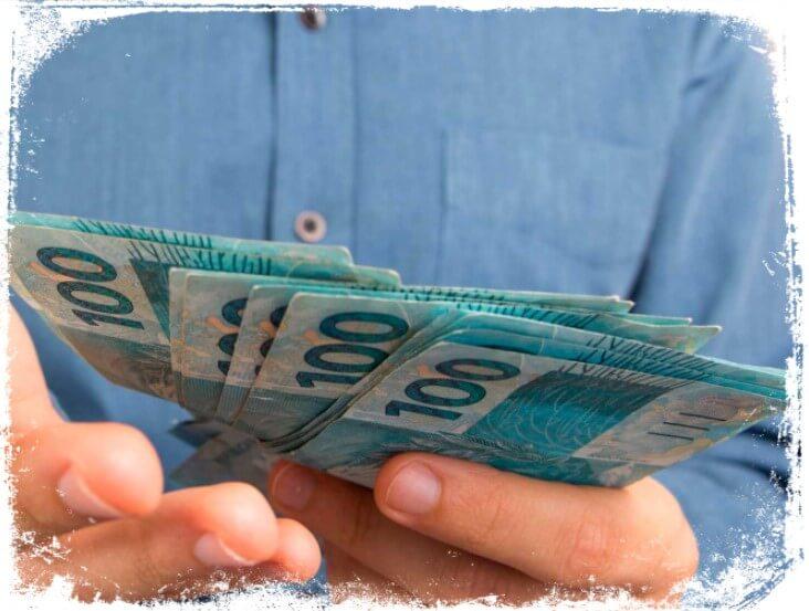qual o significado de Sonhar com muito dinheiro