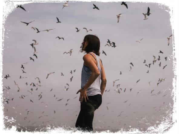 Sonhar com pássaros voando ao seu redor