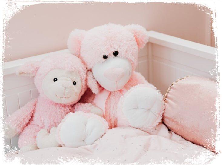 Sonhar com berço cor-de-rosa