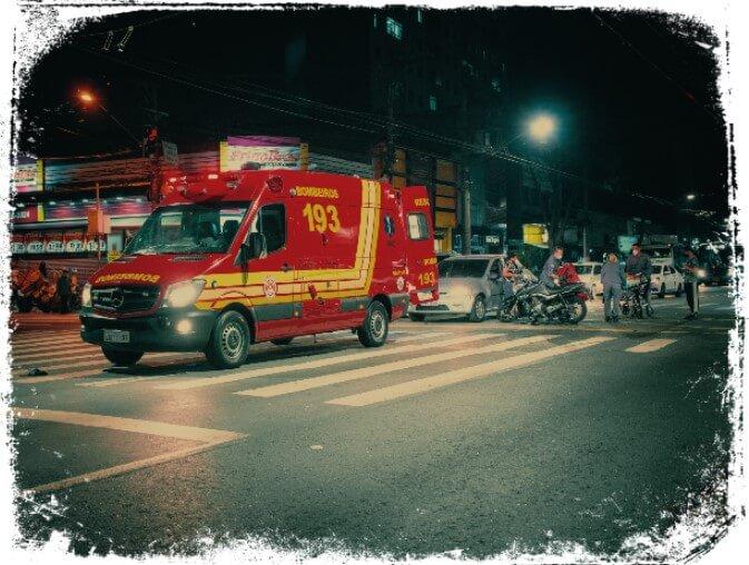 Sonhar com ambulância parada ou danificada