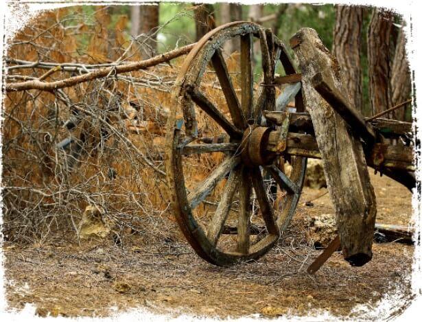 Sonhar com carroça quebrada ou velha