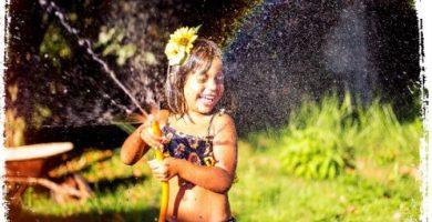 O que significa sonhar com água saindo da mangueira?