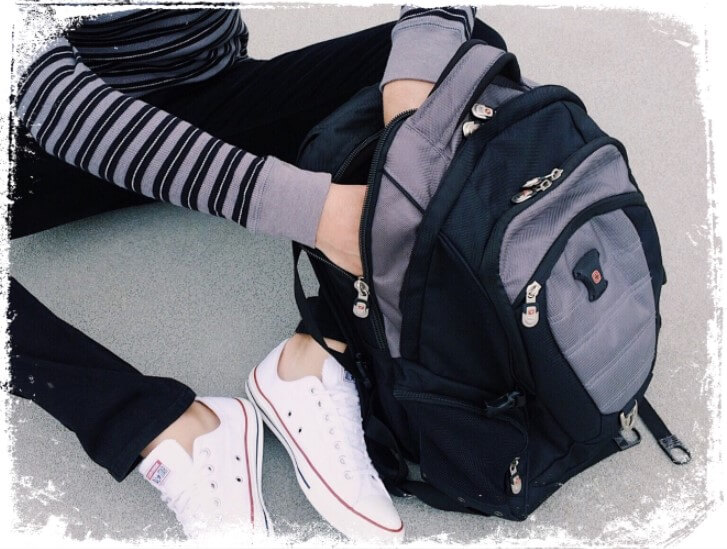 Sonhar com mochila bagunçada