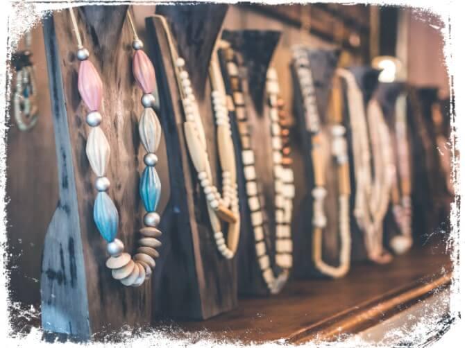 Qual o significado de sonhar com colares bijuterias