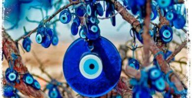 Sonhar com olho grego