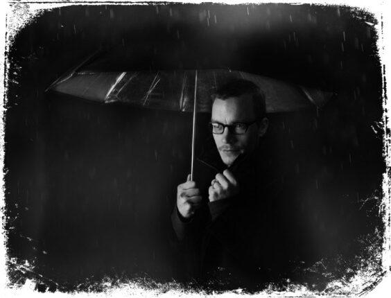 chuva e escuridão em sonho