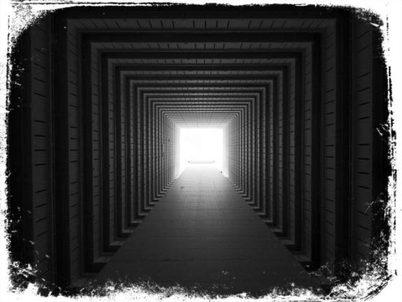 Túnel e escuridão em sonho