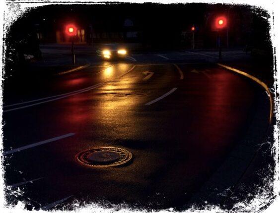 estrada escura em sonho