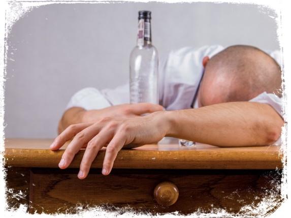 Amigo bêbado em bar sonho