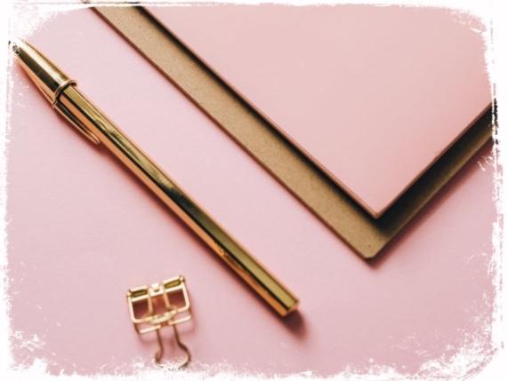 O que significa caneta dourada em sonho