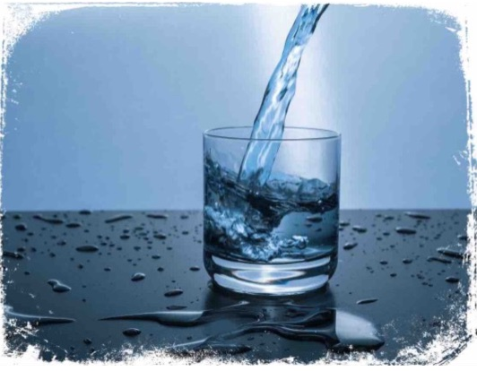 Qual o significado de sonhar com copo de água