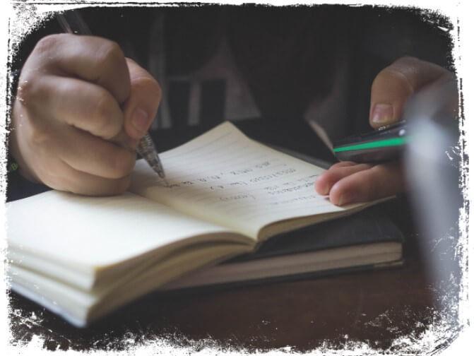 Sonhar escrevendo com caneta