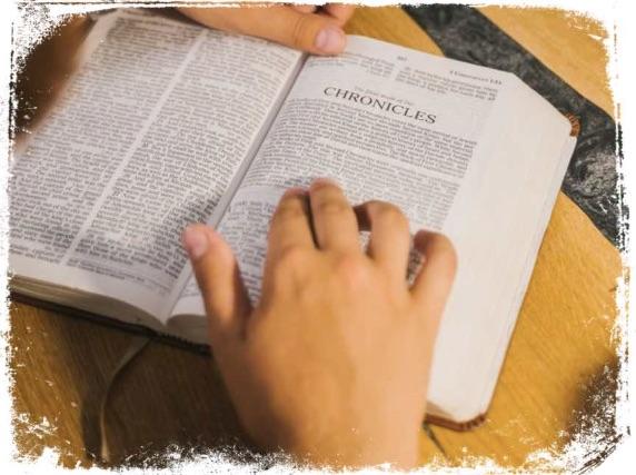 O que significa sonhar com escrituras da bíblia