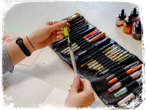 Qual o significado de ter muitas canetas em sonho