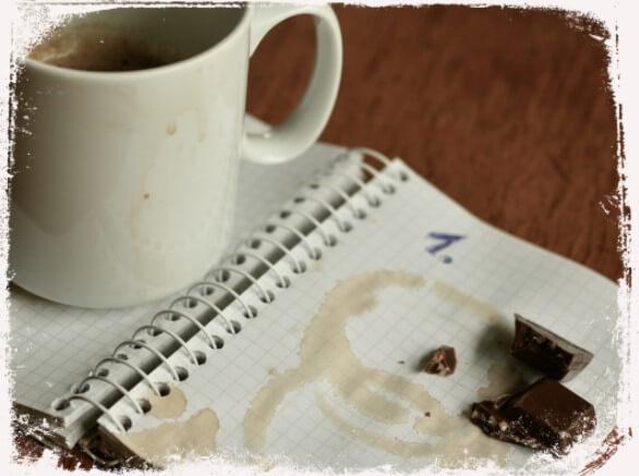 Sonhar com caderno sujo