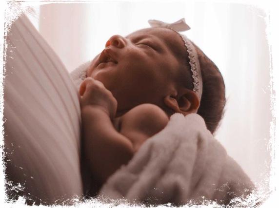 Qual o significado de sonhar com menina bebê