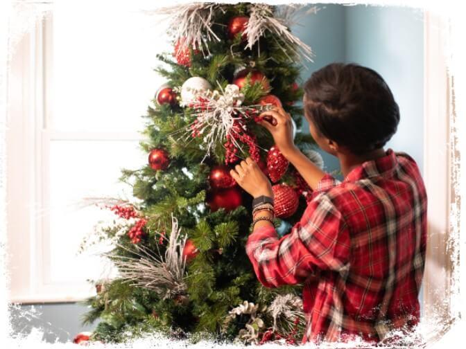 Sonhar com árvore de Natal decorada