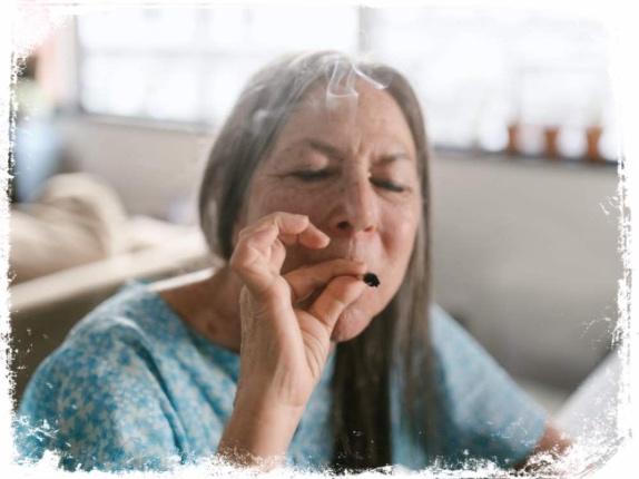 O que significa fumar maconha em sonha
