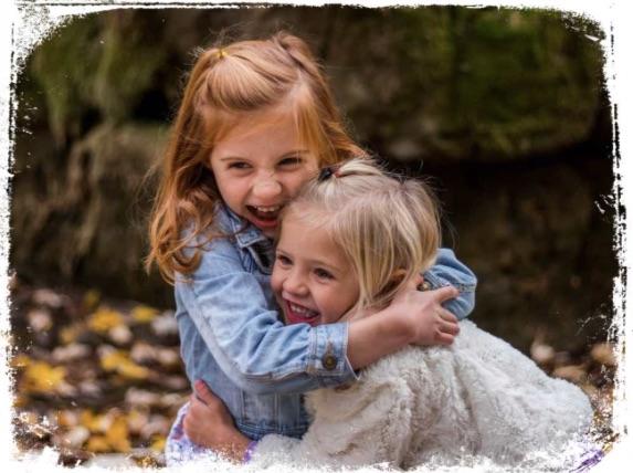 Significado de irmã abraçando em sonho