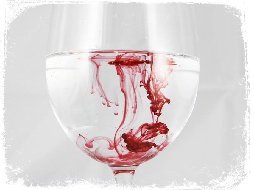Significado de sonhar com sangue na água