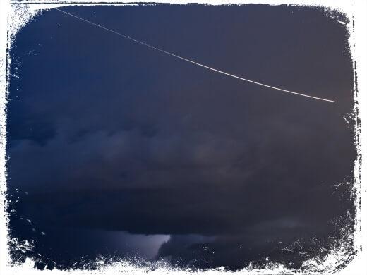 Sonhar com meteoro no céu